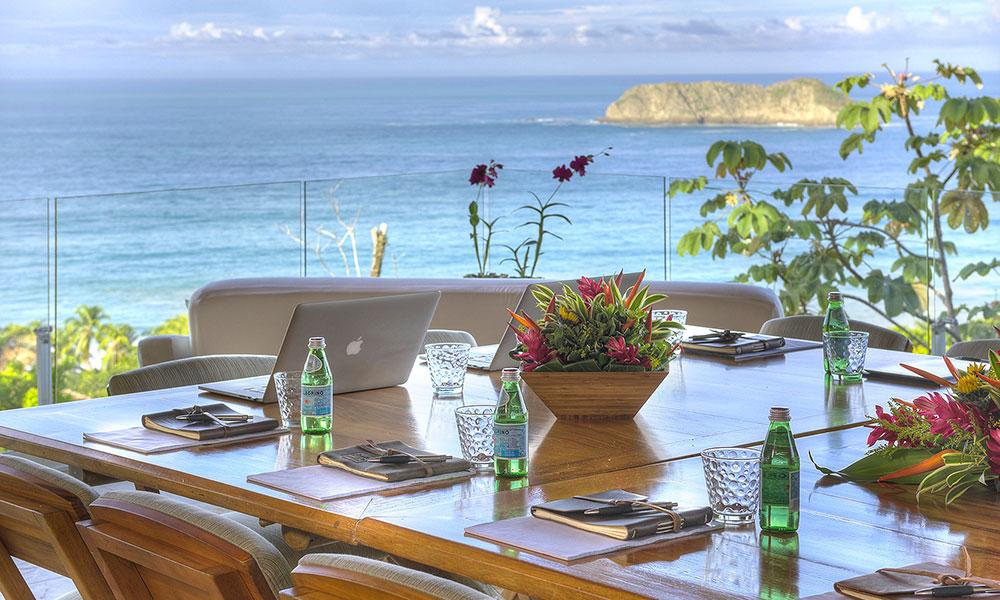 Villa Perfecta dining view
