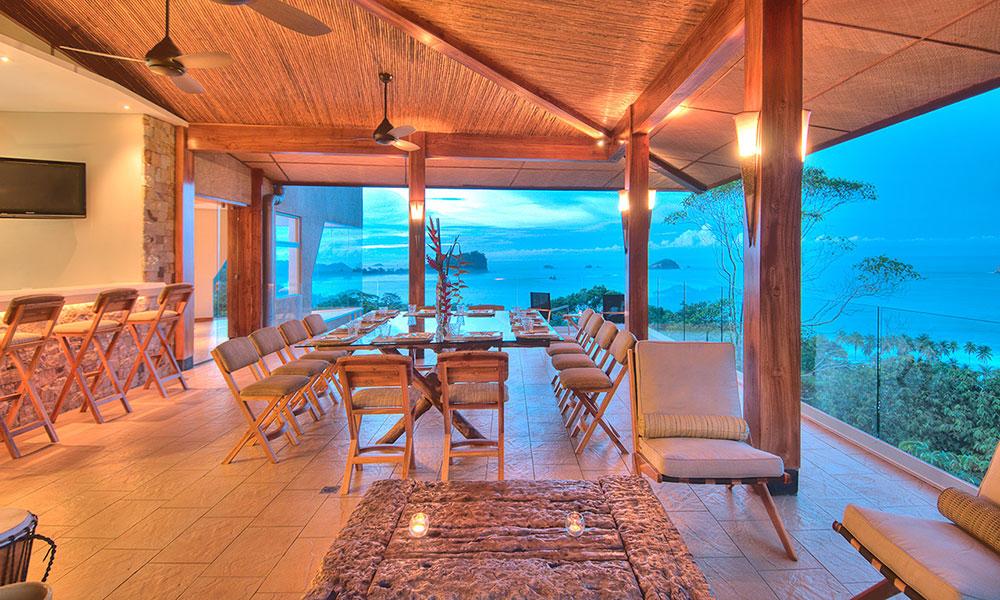 Villa Perfecta dining terrace