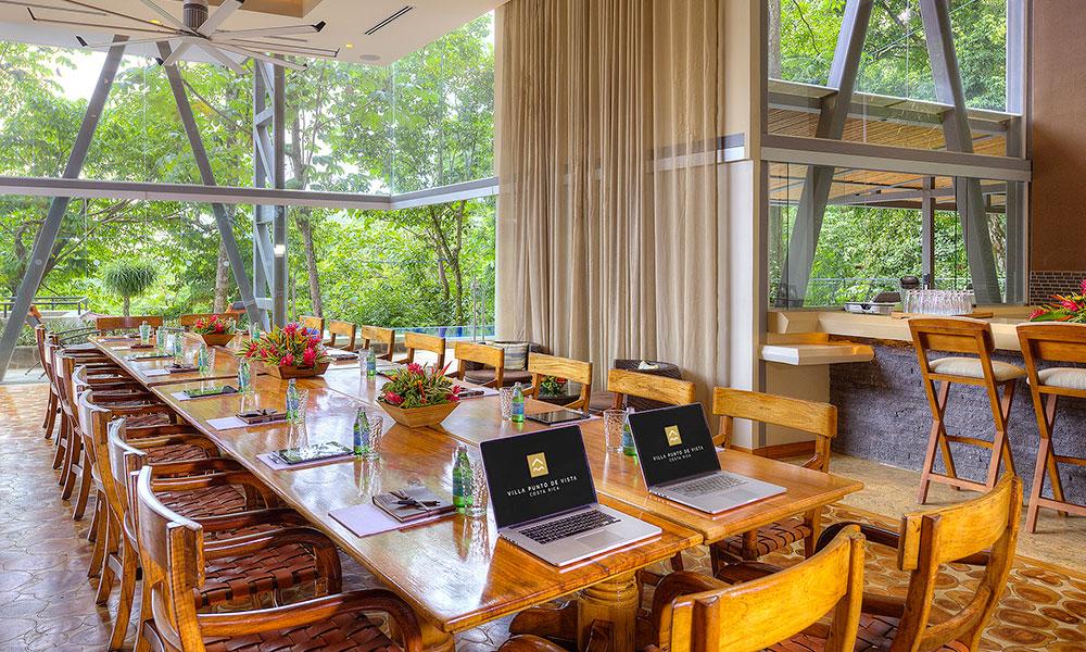 Villa Perfecta conference room