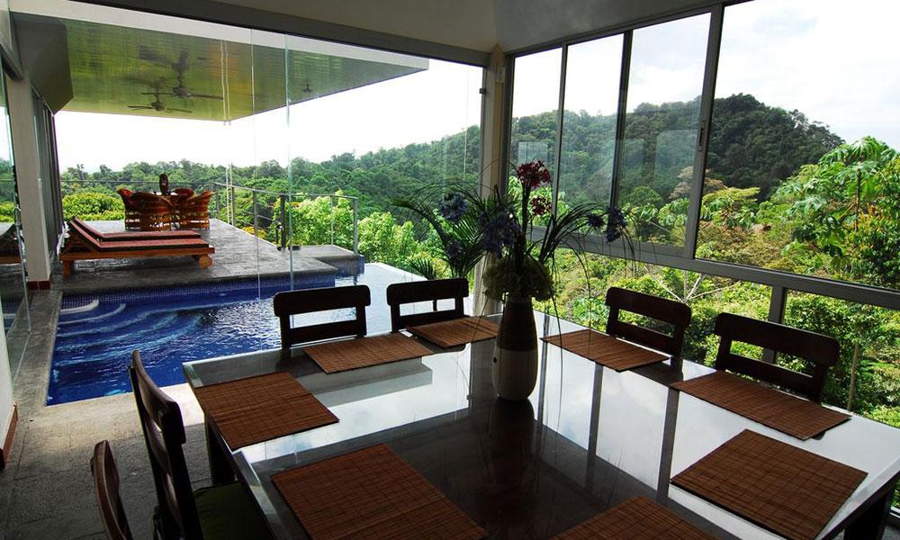 Casa de los Suspiros dining and pool