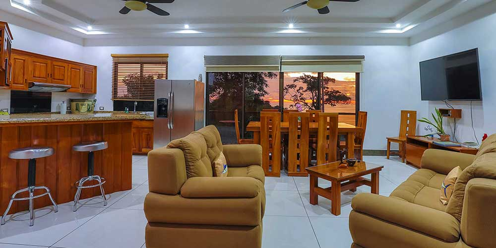 Casa Wyrica living dining kitchen sunset