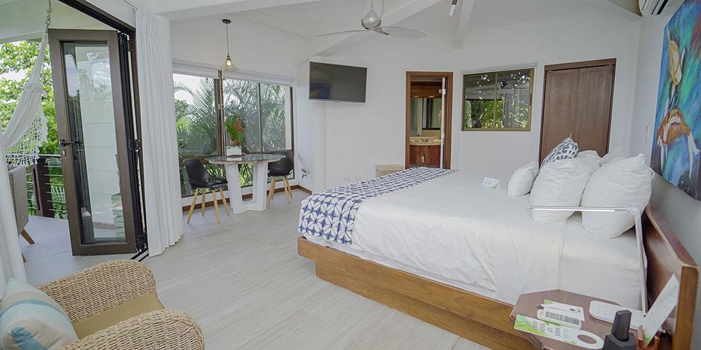 Sunset Hideaway Studio Bedroom1