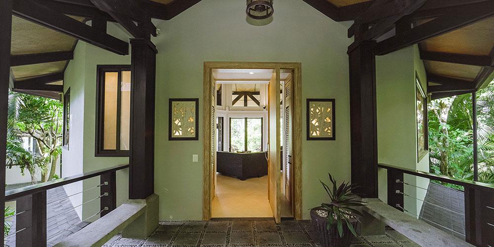 Casa Heliconia entrance2