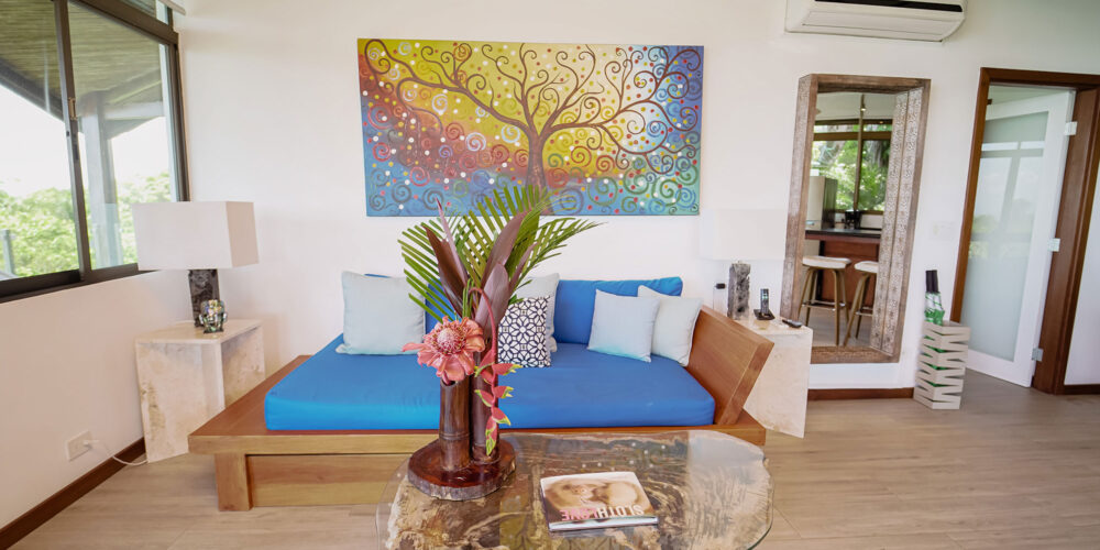 Sunset Hideaway Villa sitting room2