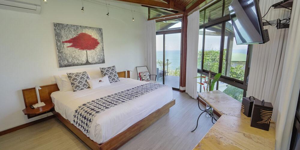 Sunset Hideaway Villa bedroom1