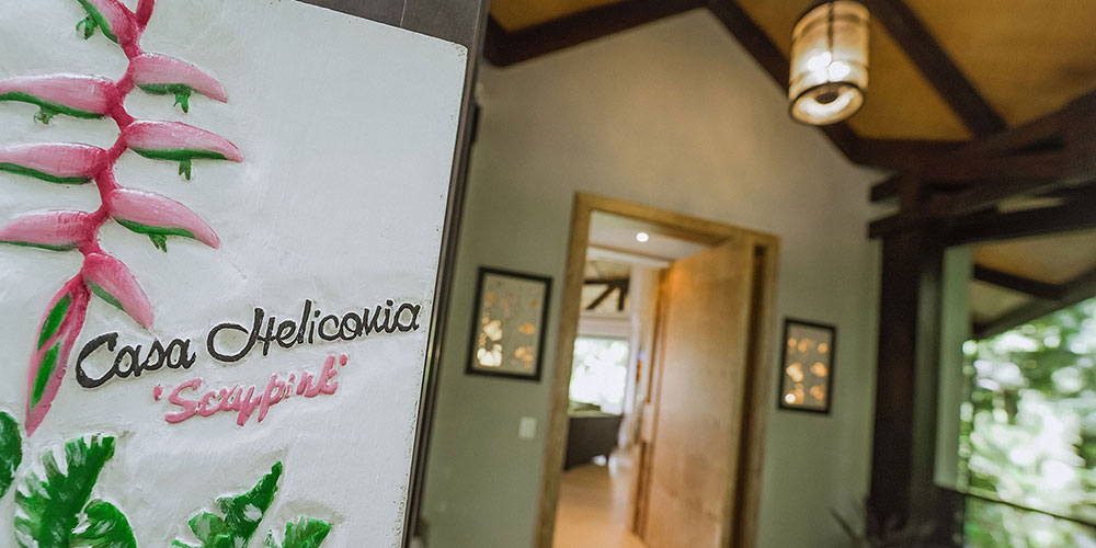 Casa Heliconia sign1