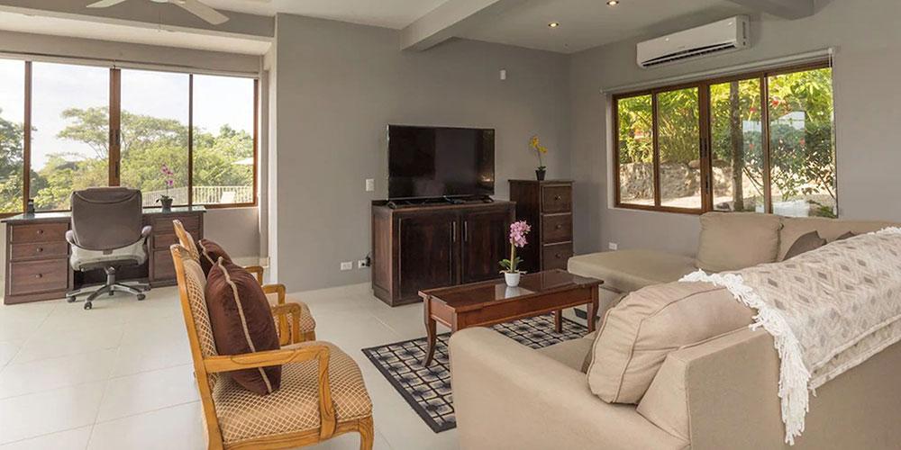 Casa Mariposa living room
