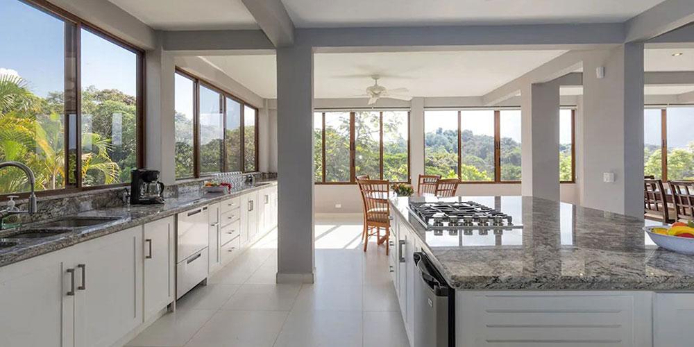 Casa Mariposa kitchen