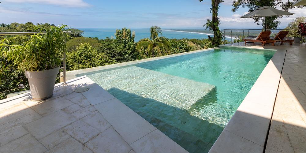 Casa Contee pool
