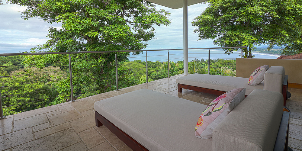 Casa Contee master bedroom patio