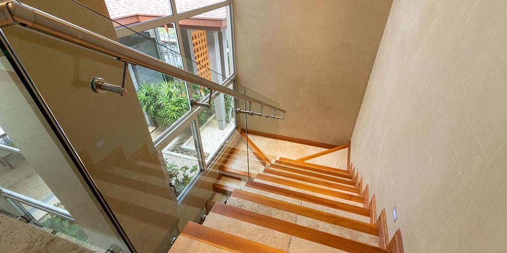 Casa Contee staircase